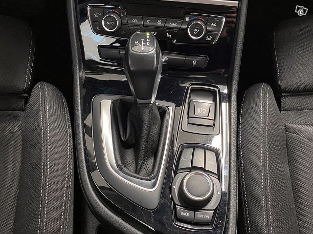 BMW 220 22