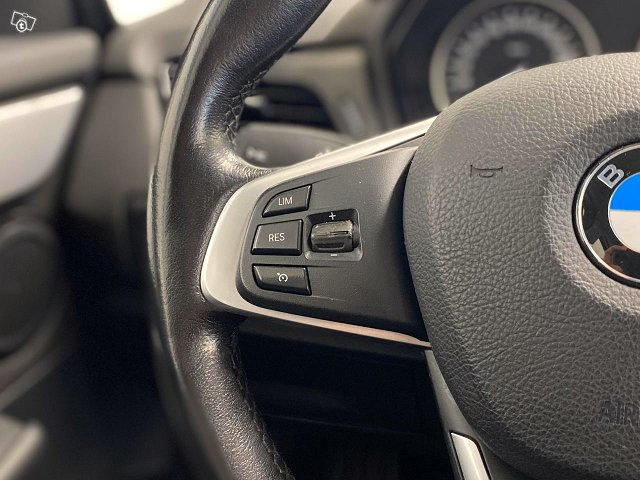 BMW 220 25