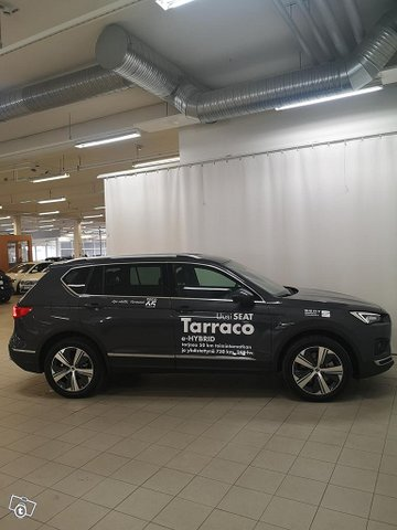 SEAT TARRACO 3