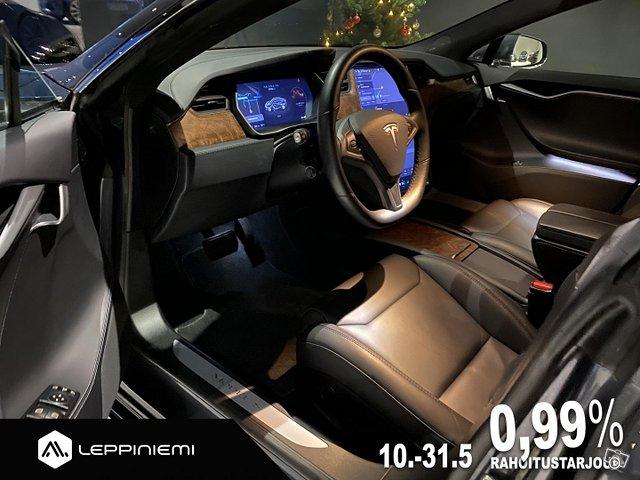 Tesla Model S 12