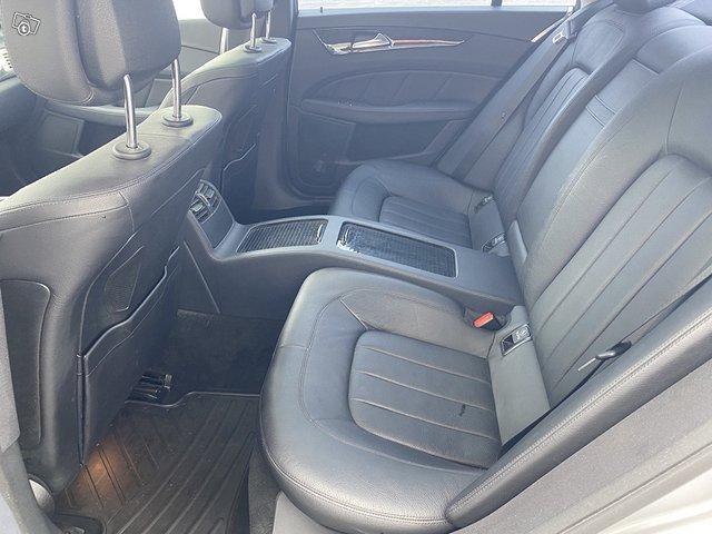 Mercedes-Benz CLS 350 13