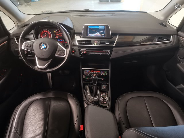 BMW 225 Active Tourer 5