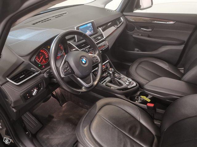BMW 225 Active Tourer 6