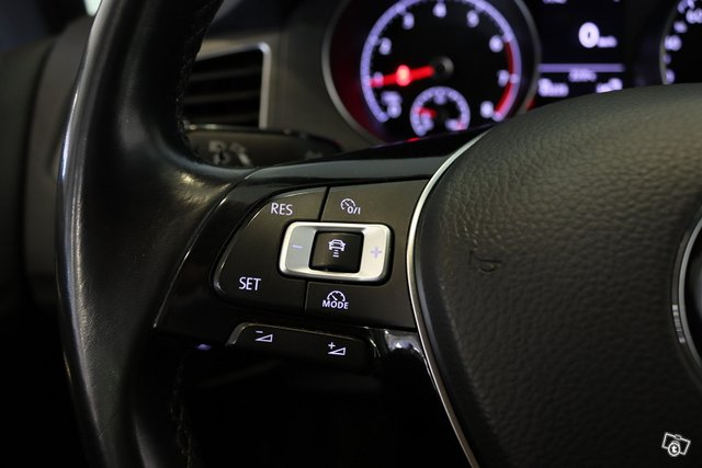 Volkswagen Golf Sportsvan 22