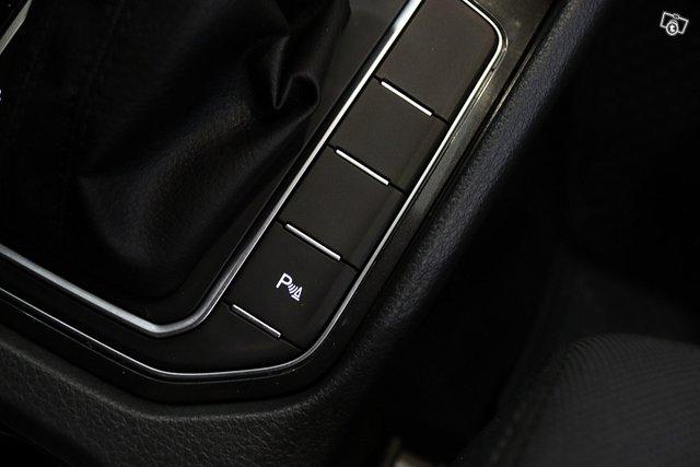 Volkswagen Golf Sportsvan 25