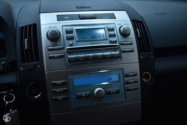 Toyota Corolla Verso 13