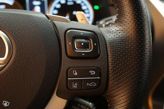 Lexus NX 22