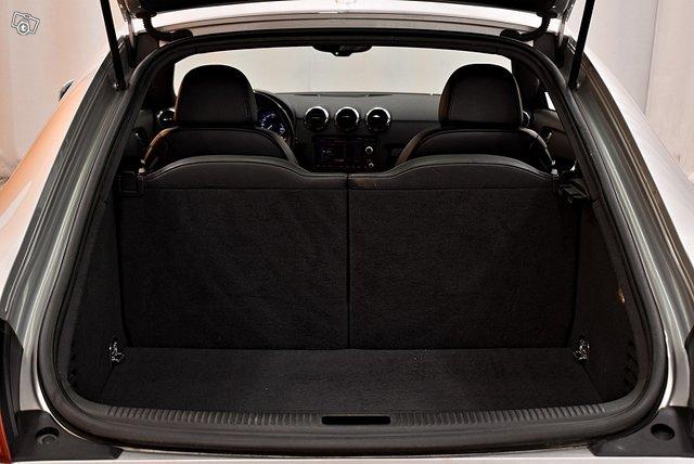 Audi TTS 8