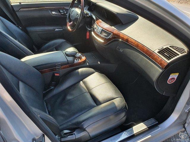 Mercedes-Benz S 8