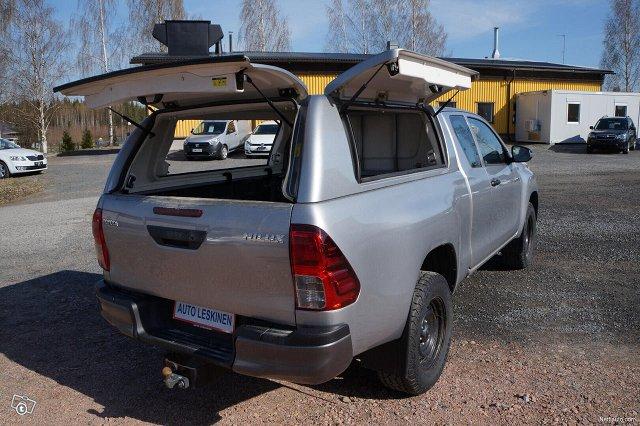 Toyota Hilux 6