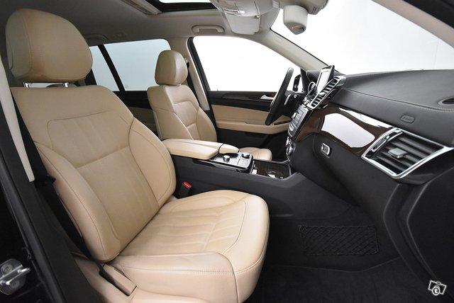 Mercedes-Benz GLS 11