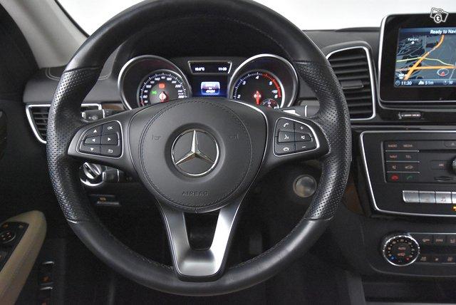 Mercedes-Benz GLS 18