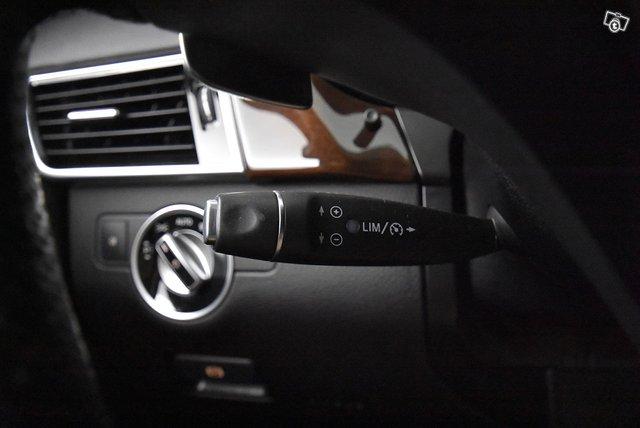 Mercedes-Benz GLS 19