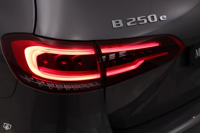 Mercedes-Benz B 25