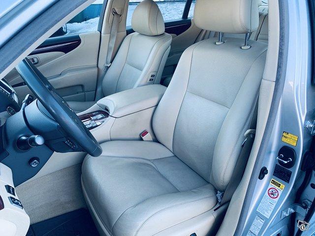 Lexus LS 5