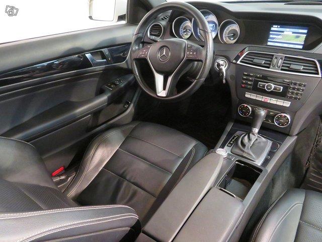 Mercedes-Benz C 180 8