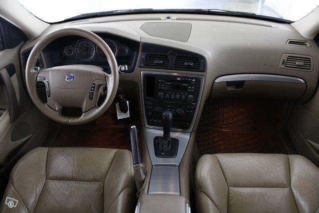 Volvo V70 9