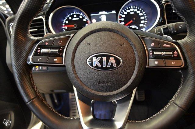 Kia ProCeed 13