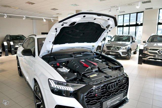 Audi RS Q8 5