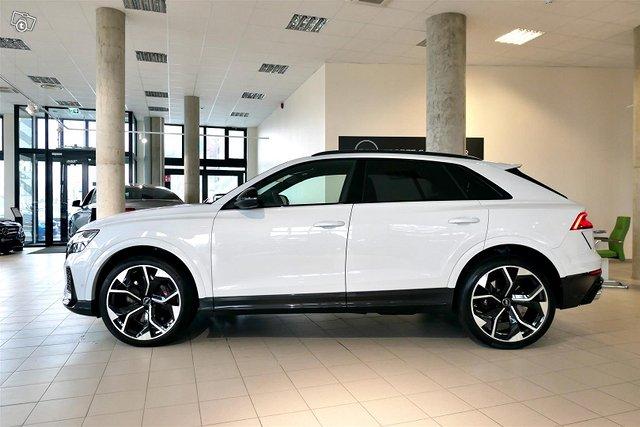 Audi RS Q8 6