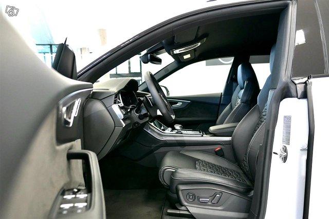 Audi RS Q8 8