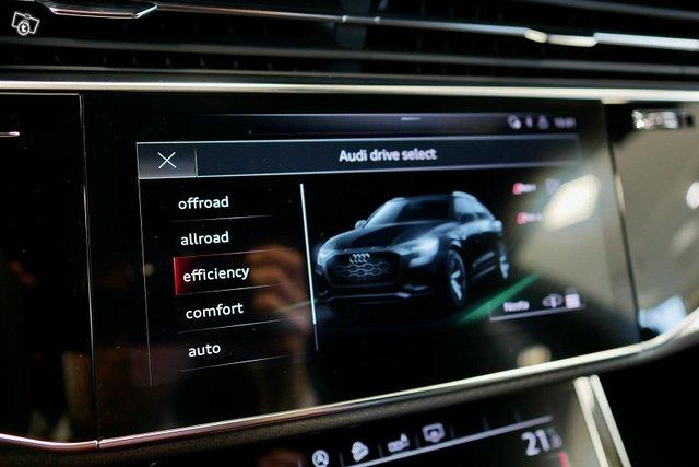 Audi RS Q8 17