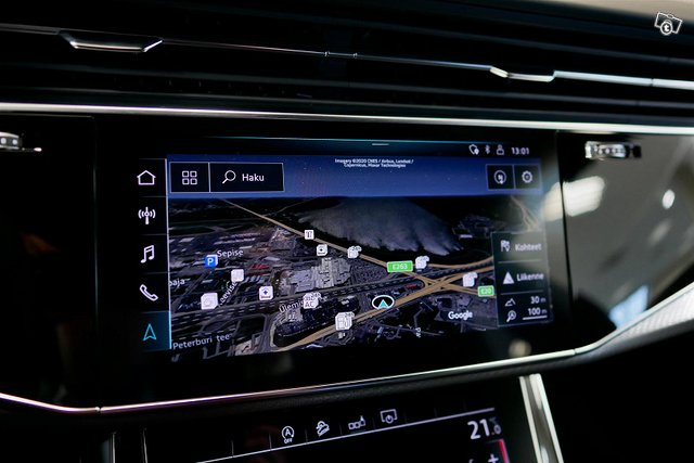 Audi RS Q8 18