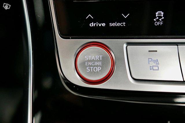 Audi RS Q8 22