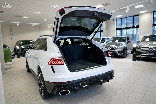Audi RS Q8 23