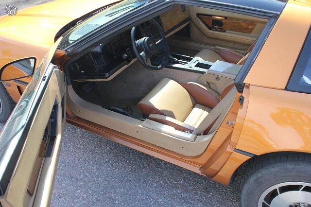 Chevrolet Corvette 5