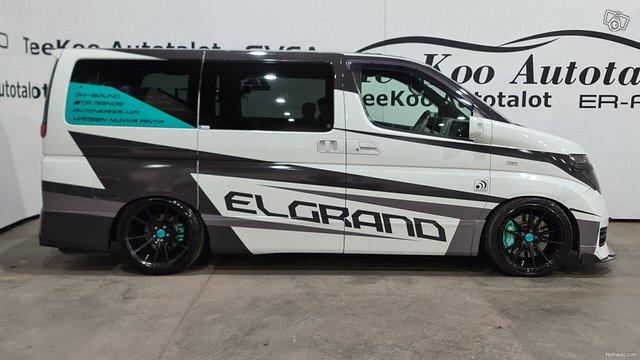 Nissan Elgrand 3