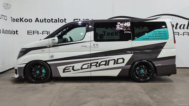 Nissan Elgrand 6