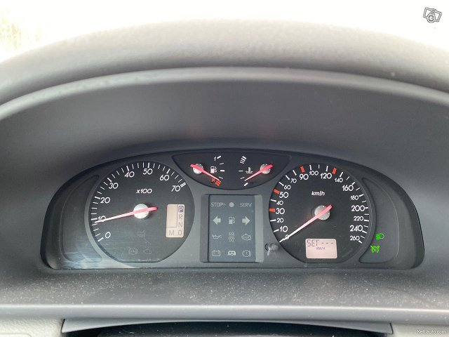 Renault Laguna 9