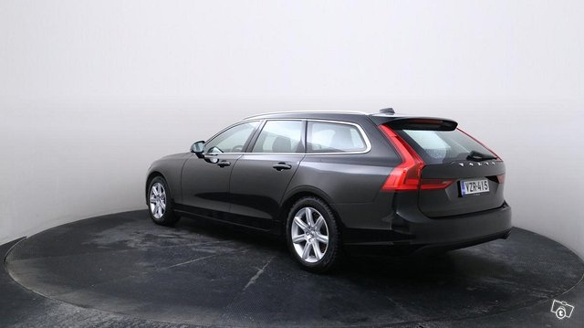 Volvo V90 4