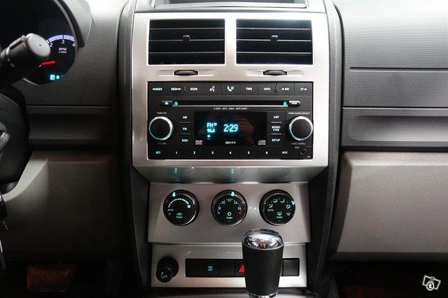 Dodge Nitro 11