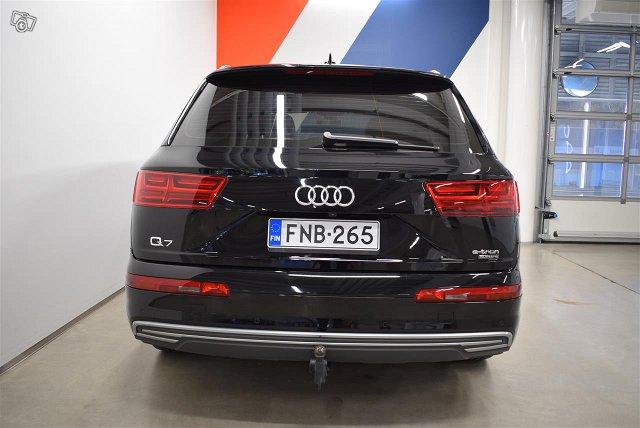 Audi Q7 5