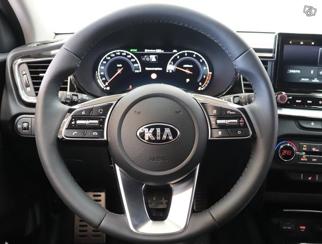 Kia XCeed 10