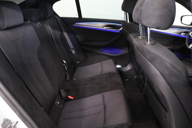 BMW 530 8