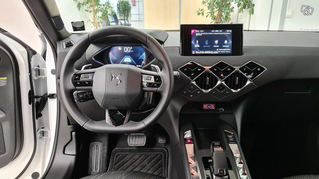 DS 3 Crossback 12