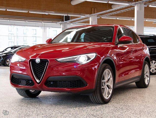 Alfa Romeo Stelvio 4