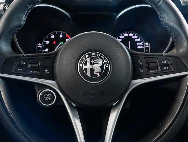 Alfa Romeo Stelvio 11