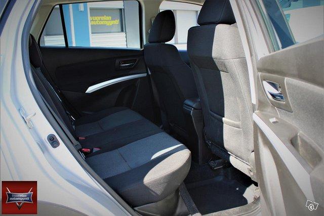 Suzuki SX4 12