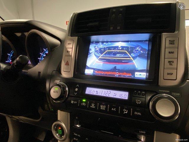 Toyota Land Cruiser 17