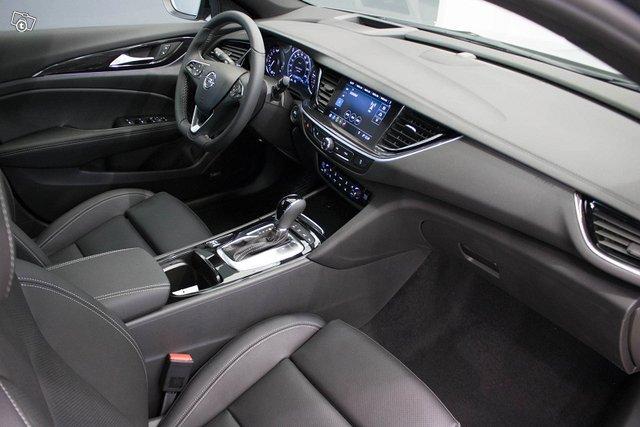 Opel INSIGNIA 17
