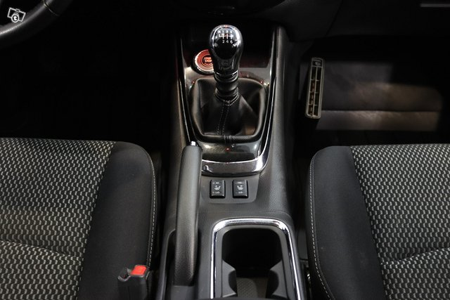 Nissan Pulsar 20