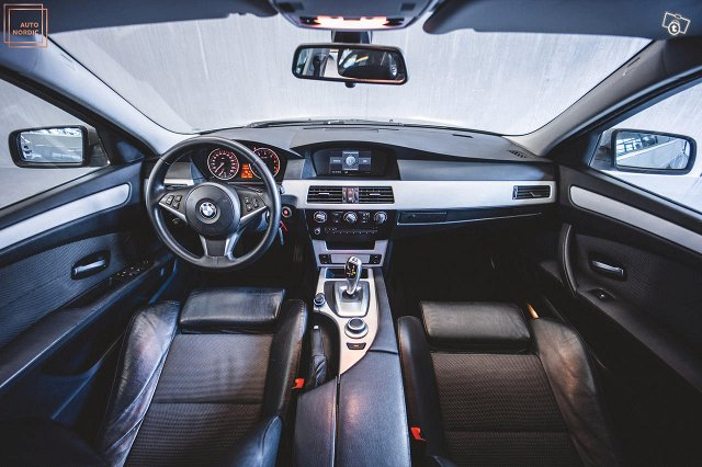 BMW 523 11