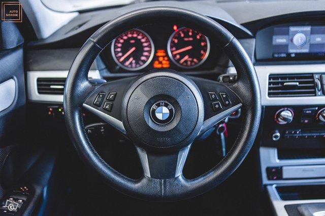 BMW 523 21