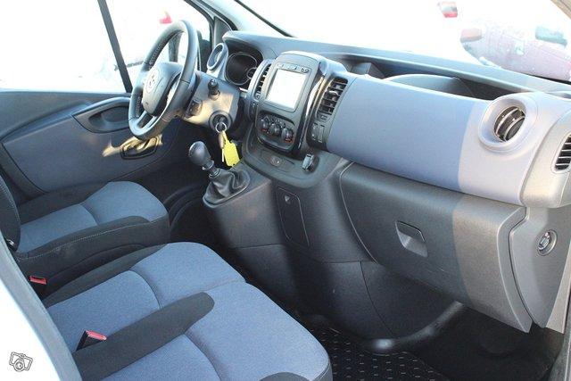 Opel Vivaro 9