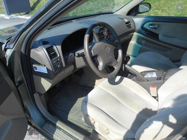 Nissan Maxima 8
