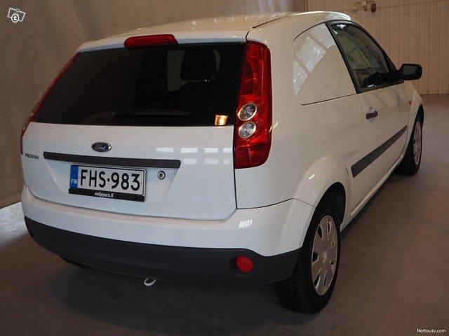 Ford Fiesta Van 2